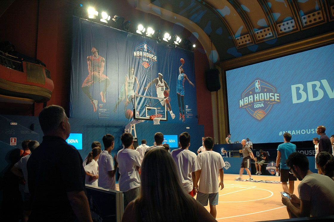 Fluge Eventos en NBA House Madrid